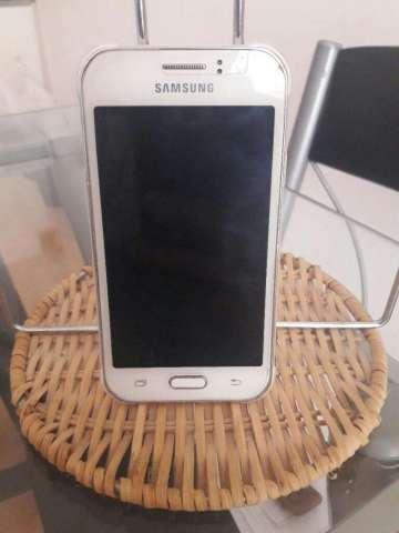 Vendo Samsung J1 Ace en Buen Estado