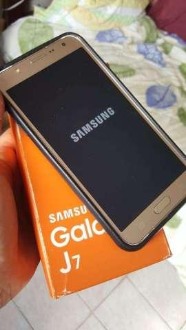 Samsung J7 Excelente de Todo en Su Caja
