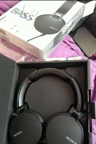 Audifonos Sony B550