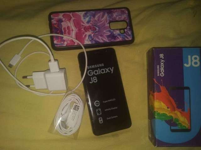 Vendo Samsung Galaxy J8