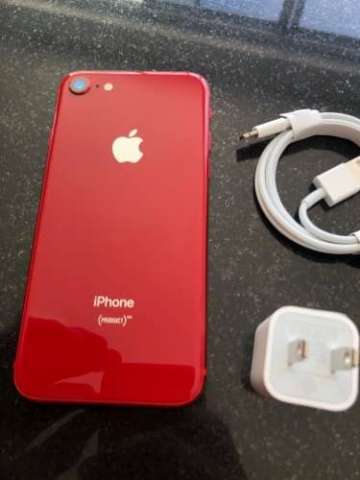 Iphone 8 de 64gb. red
