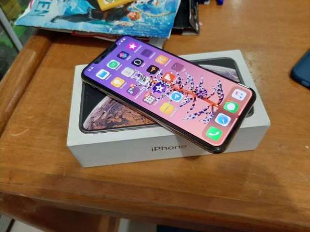 Vendo iphone xs max de 256 gb